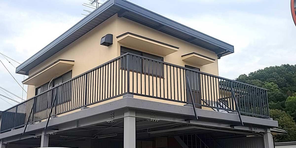 塗装後の完成した家の写真